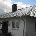 Eindeckung eines Wohnhauses mit Metalldachpfanne